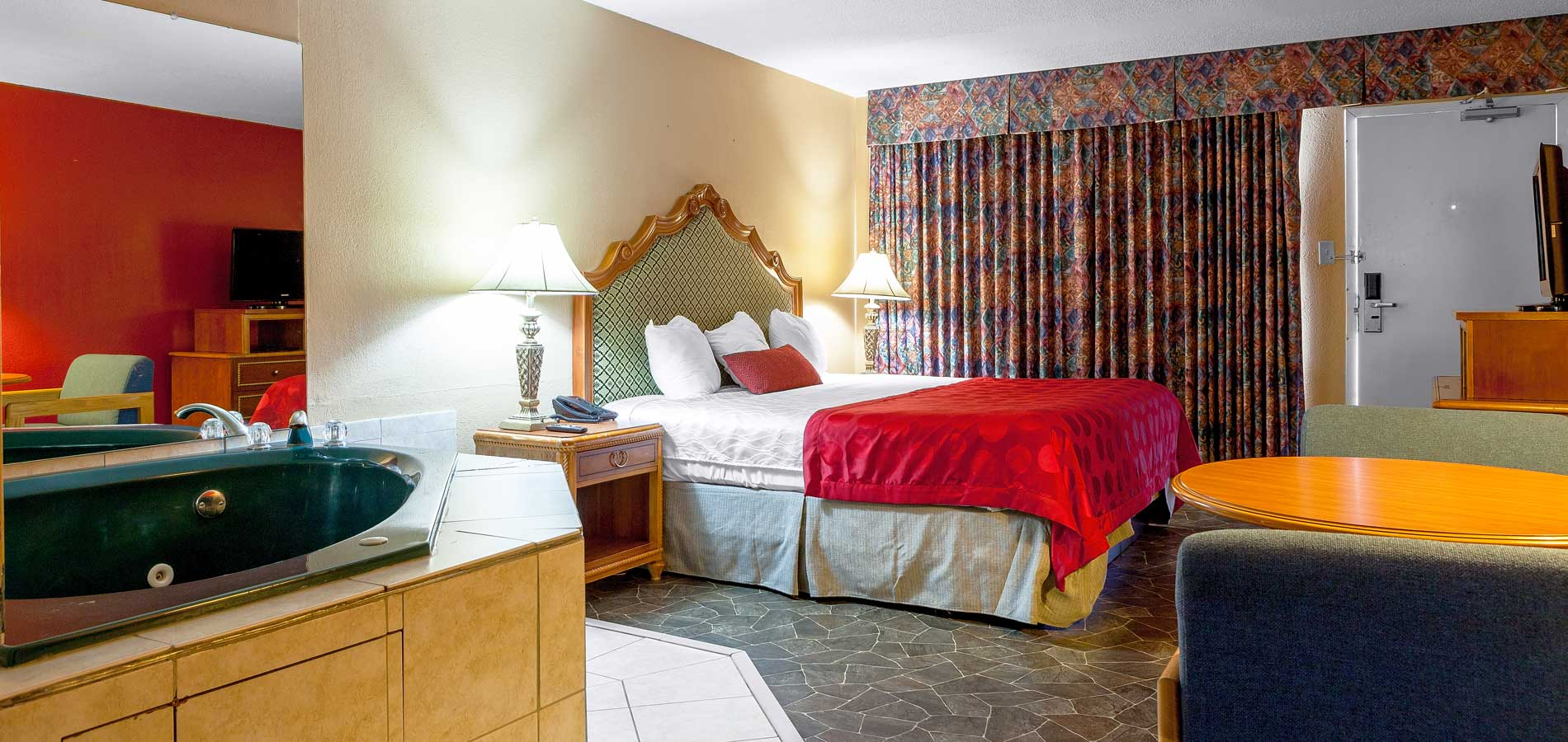 Clean and Comfortable Rooms - Balu Bear Hotel