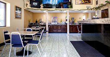 Balu Bear Hotel - Breakfast Room